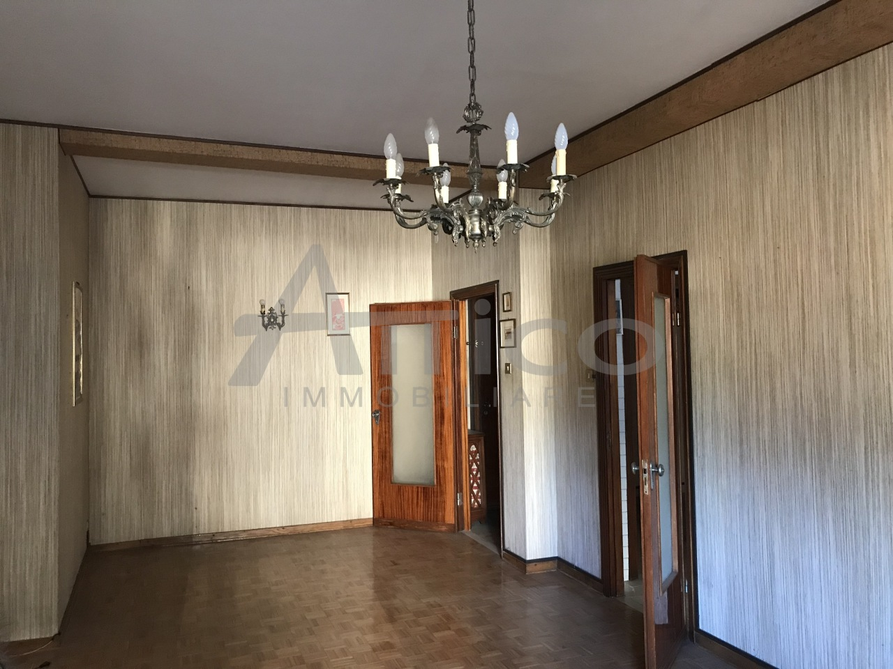 Appartamento in vendita a Rovigo, 7 locali, prezzo € 90.000 | CambioCasa.it