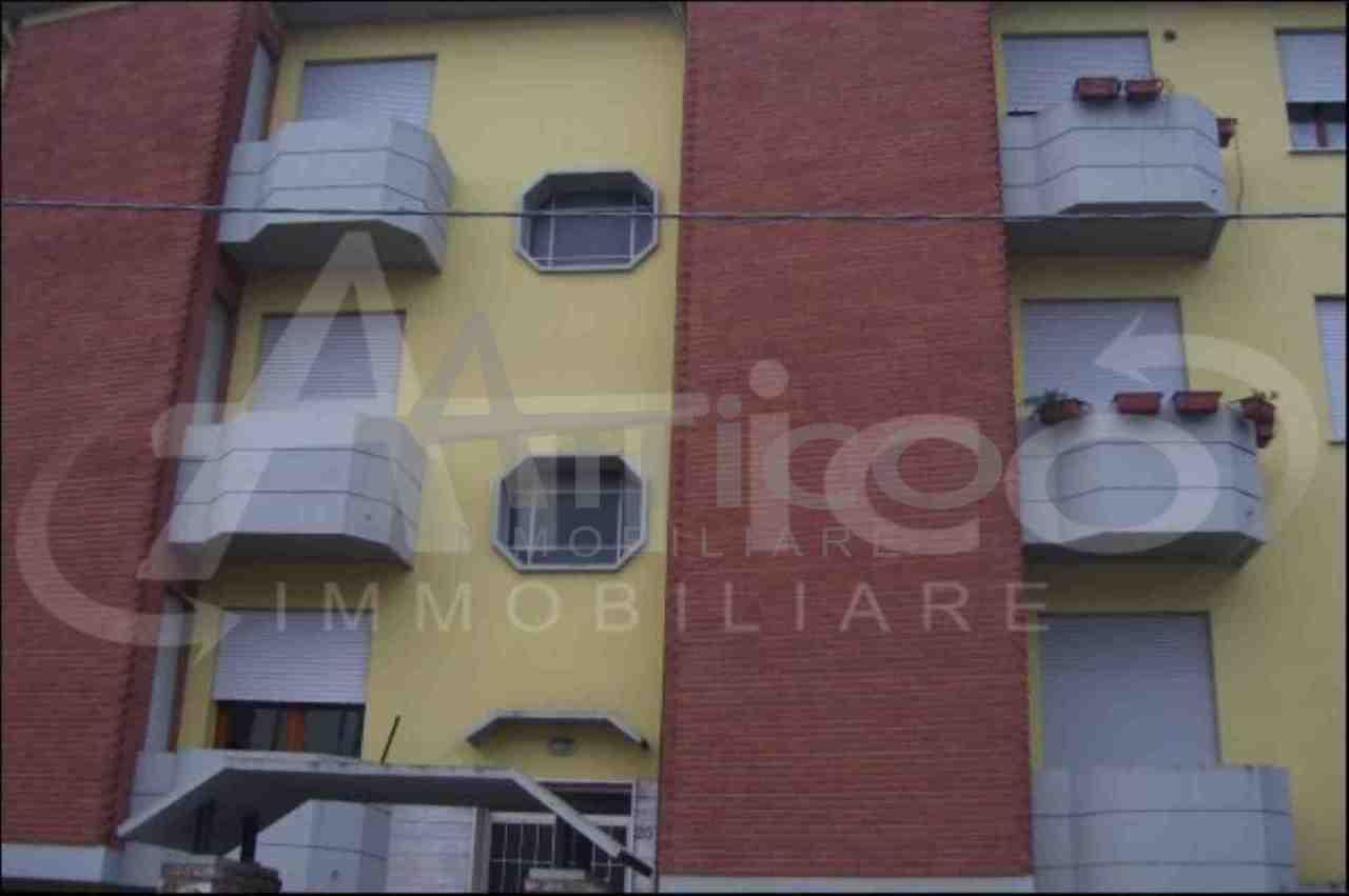 Quadrilocale in buone condizioni arredato in affitto Rif. 5960407