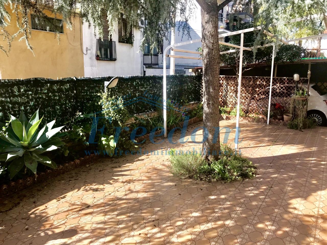 Appartamento in ottime condizioni in vendita Rif. 8184441