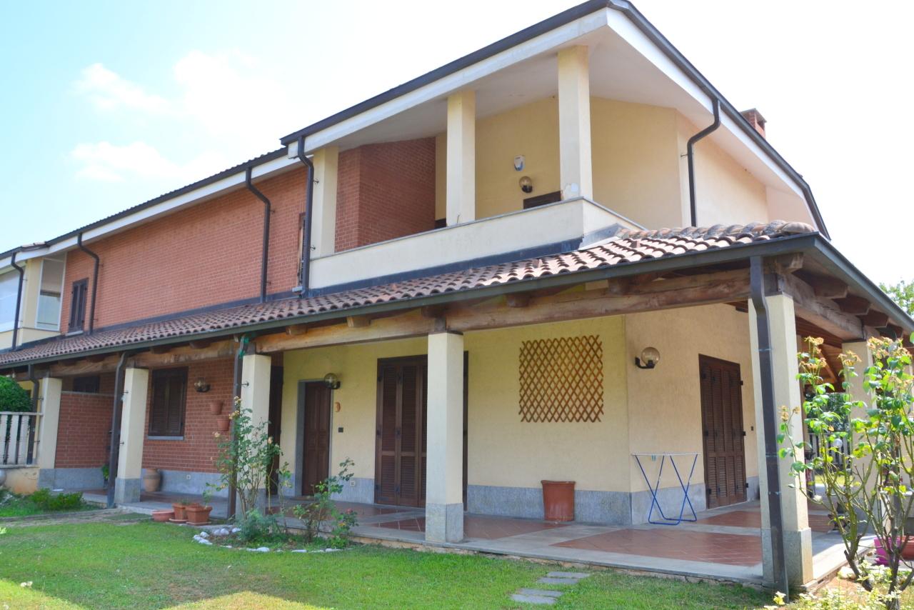 Porzione di casa in ottime condizioni in vendita Rif. 9122265