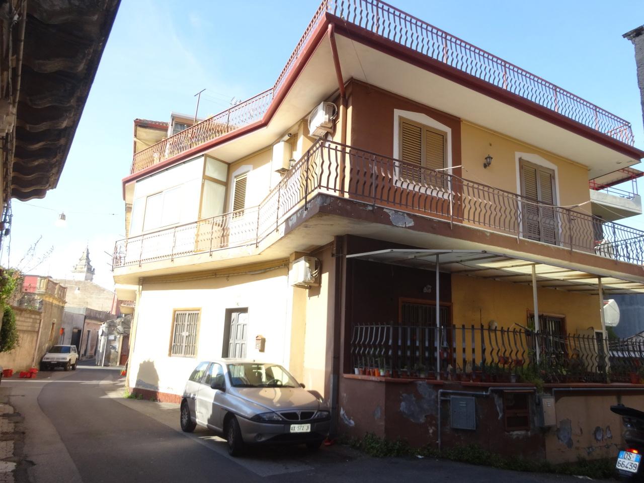 Appartamento da ristrutturare in vendita Rif. 5912072