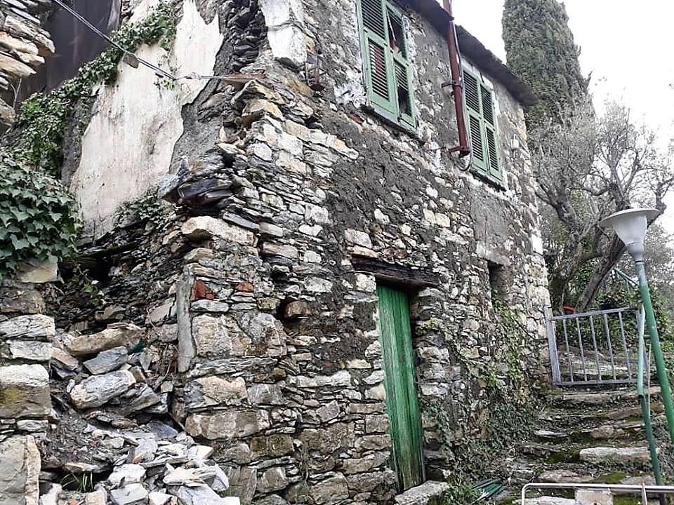 Rustico / Casale in discrete condizioni in vendita Rif. 9599643