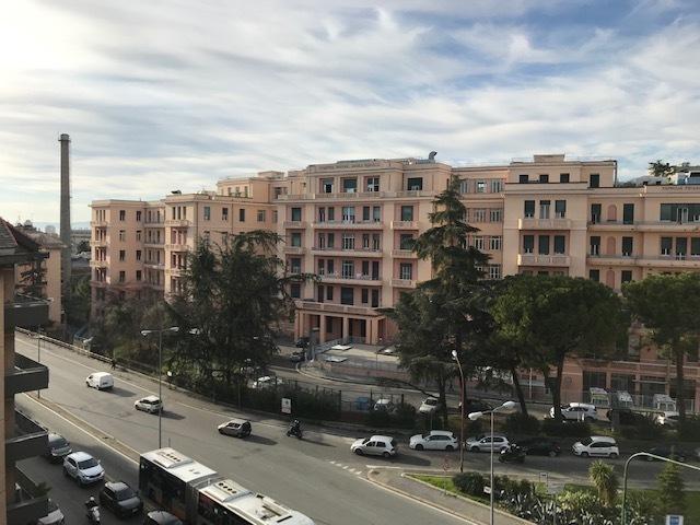 Quadrilocale in buone condizioni in affitto Rif. 9863582