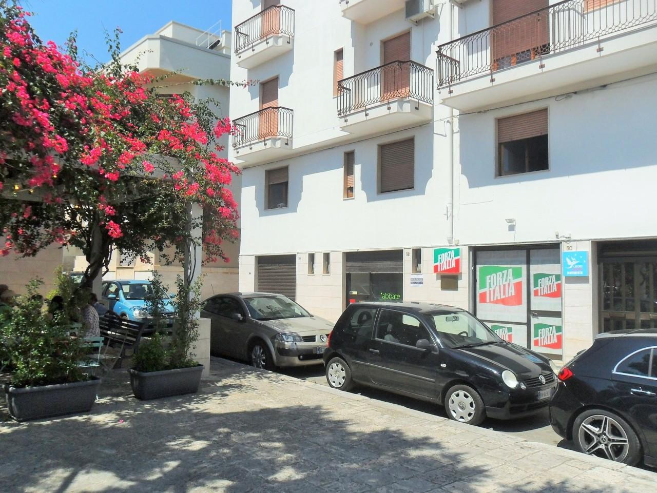 Locale commerciale - 2 Vetrine a Polignano a Mare Rif. 10748877