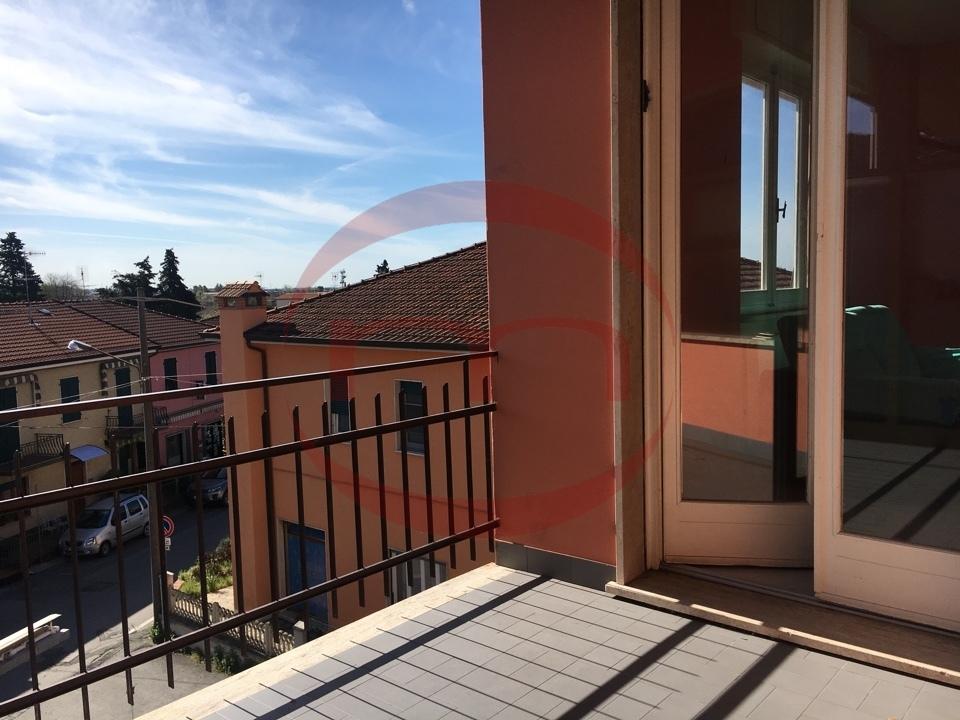 Appartamento in vendita a Castelnuovo Magra, 3 locali, prezzo € 110.000   CambioCasa.it