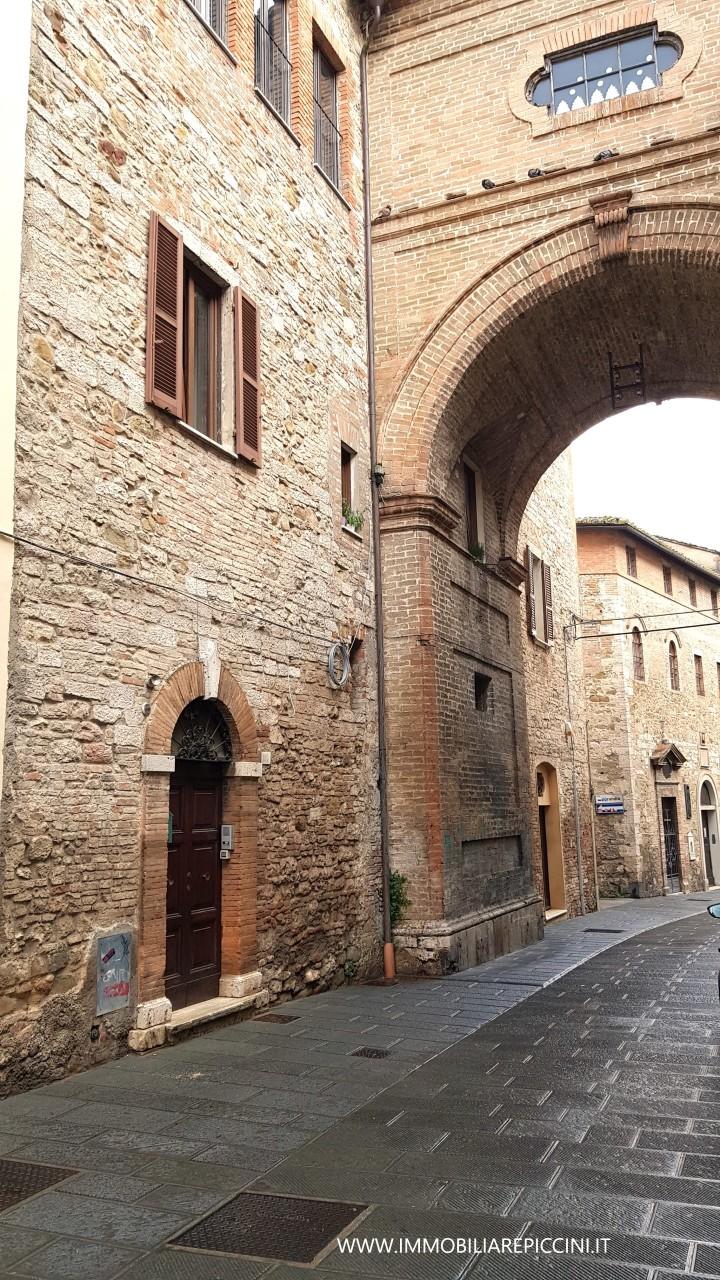 Semindipendente - Porzione di casa a Centro storico, Perugia