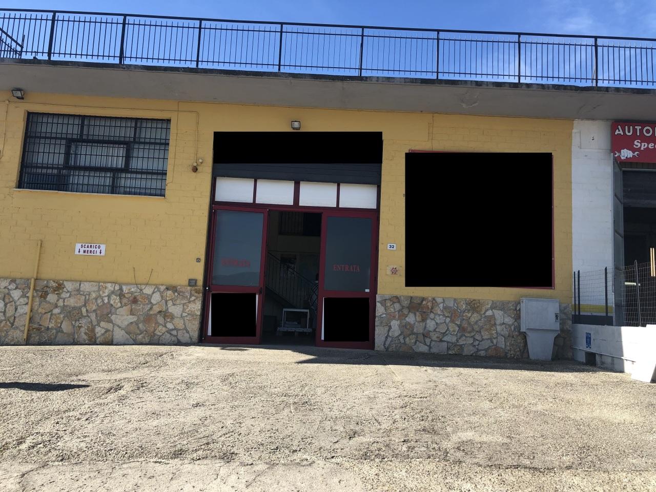 Capannone / Fondo - Industriale/Artigianale a Mentana Rif. 9605609