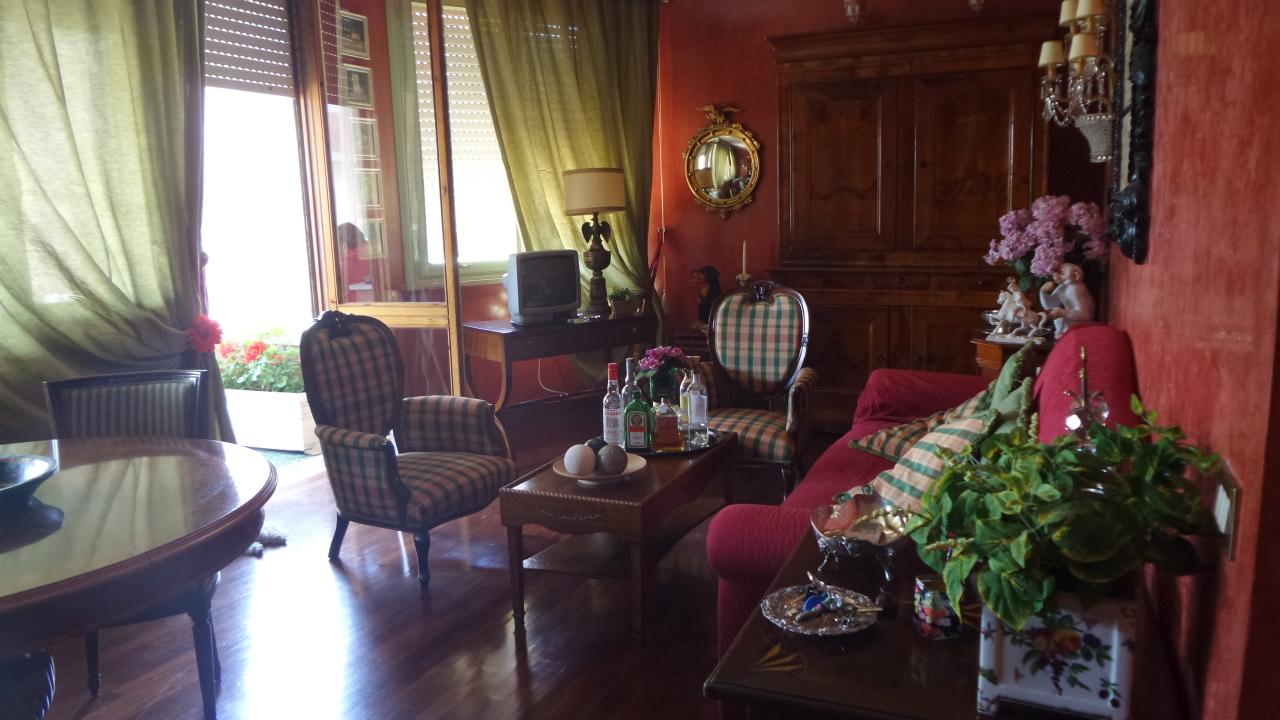 Appartamento in ottime condizioni arredato in affitto Rif. 8353309