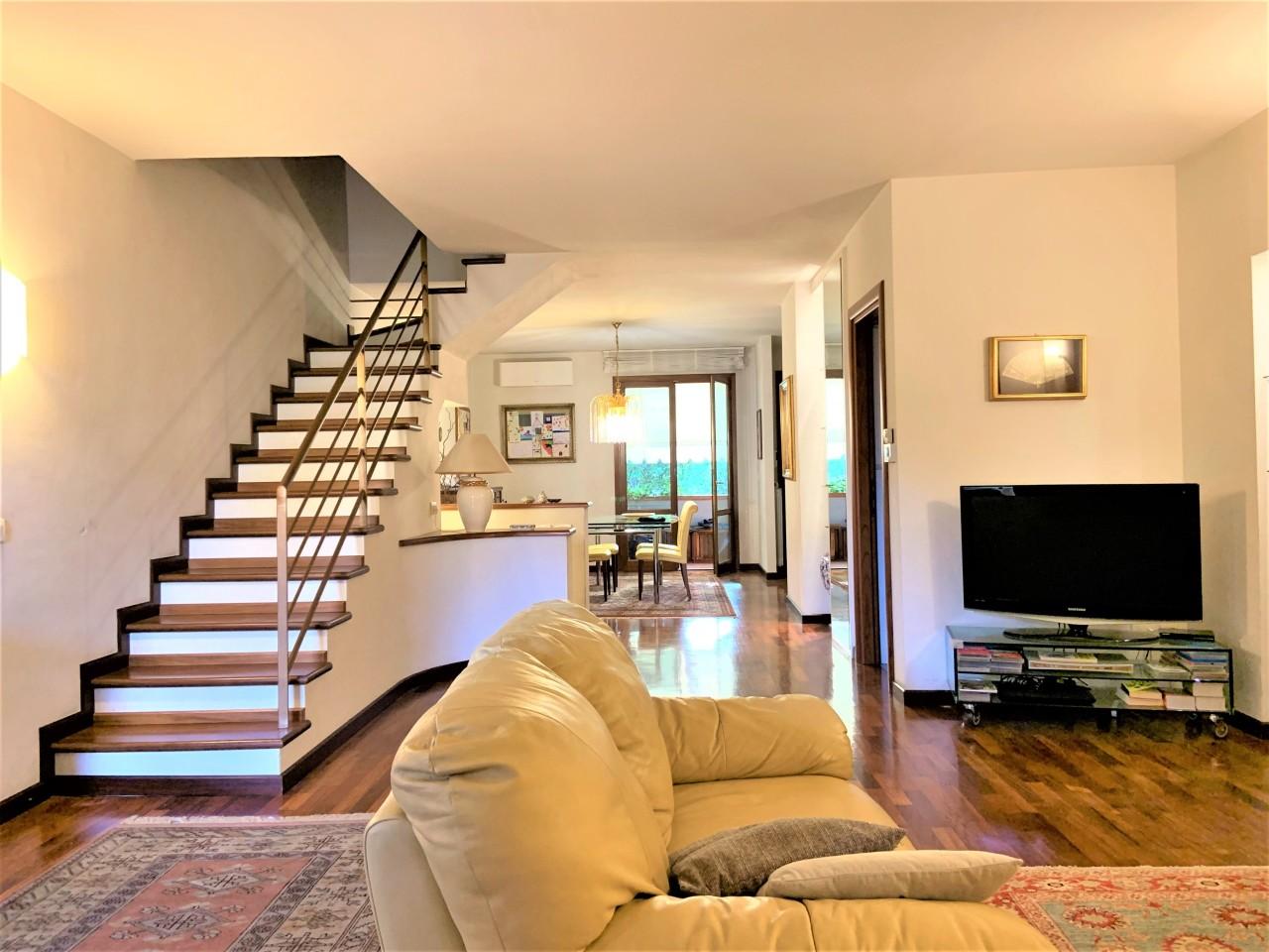 Villa in ottime condizioni in vendita Rif. 11371082