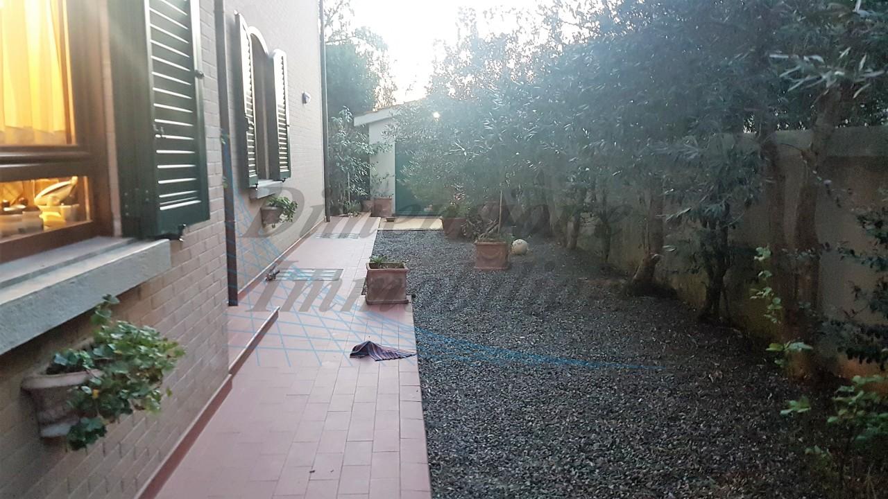 Casa Indipendente in ottime condizioni in vendita Rif. 9058464