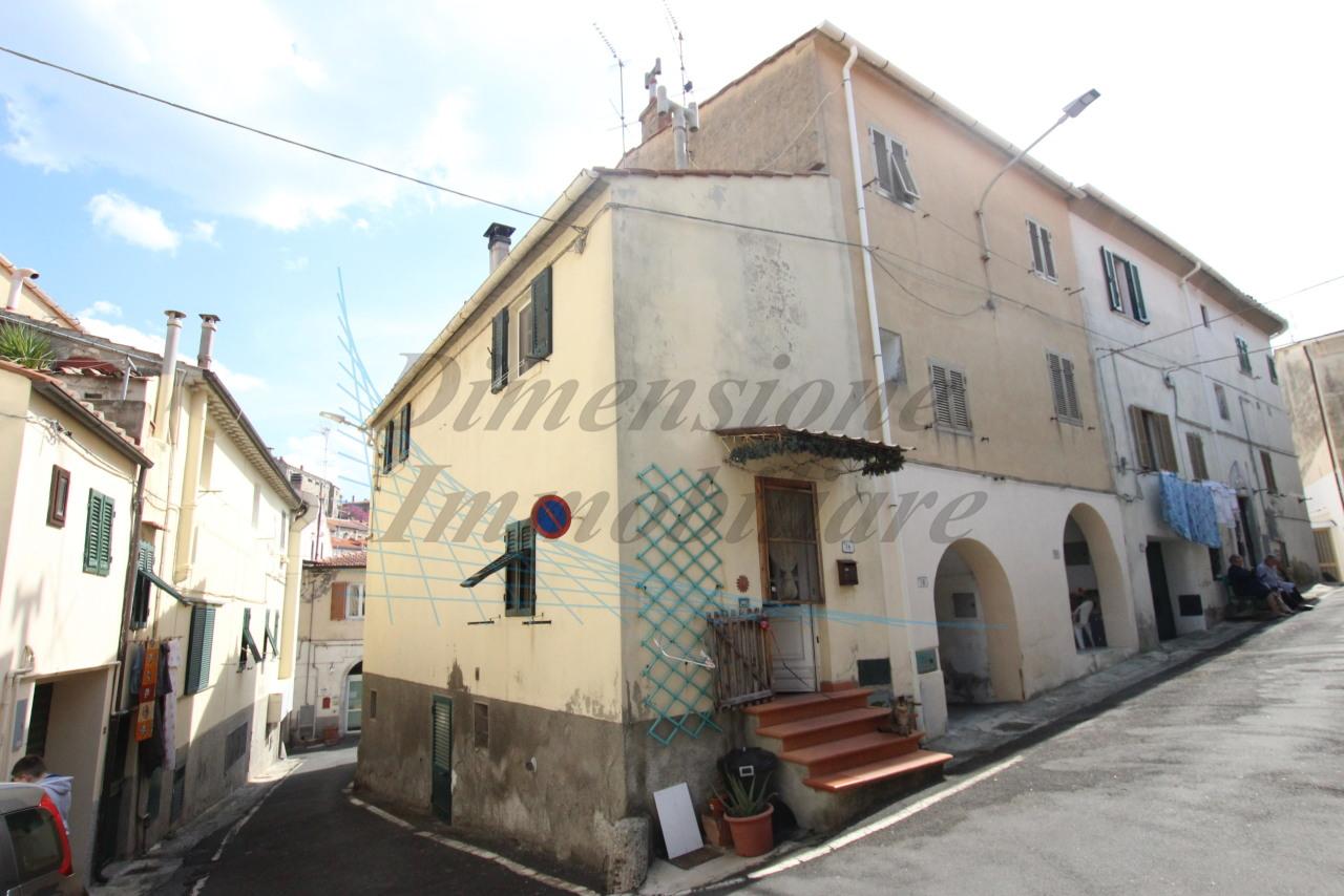 Casa Indipendente in buone condizioni in vendita Rif. 10063409