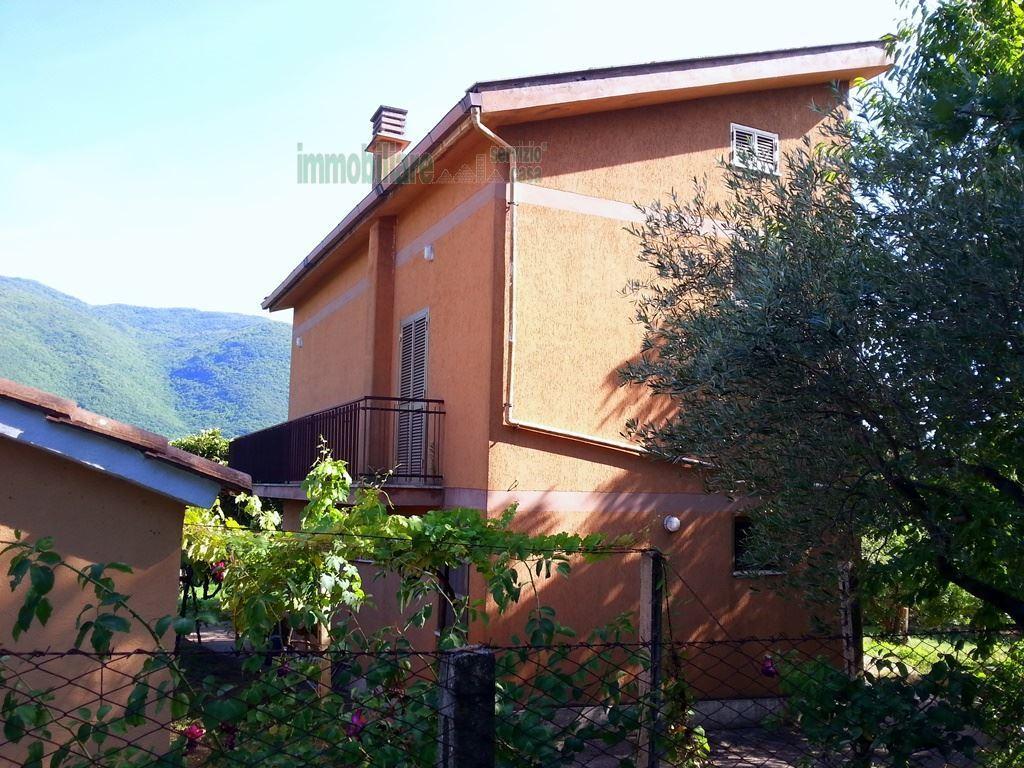 Casa Indipendente da ristrutturare in vendita Rif. 11924985