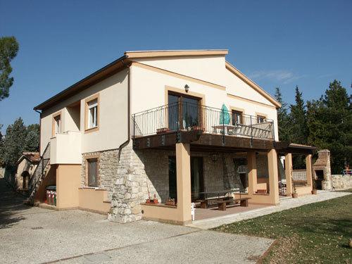 Casa Indipendente in buone condizioni in vendita Rif. 4158891