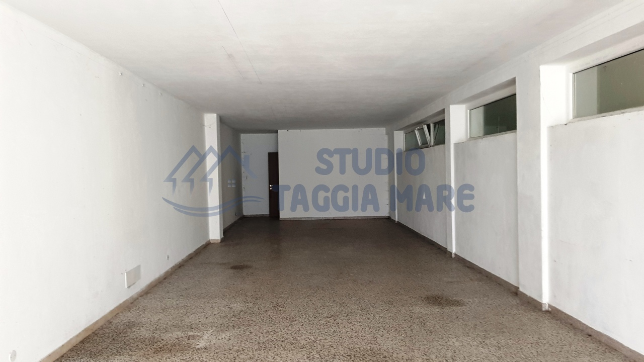 Magazzino in affitto a Riva Ligure, 1 locali, prezzo € 250 | CambioCasa.it