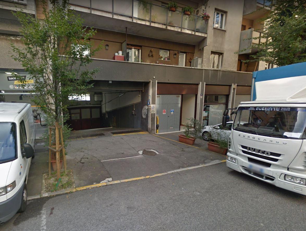 Garage / Posto Auto - Coperto a Trieste