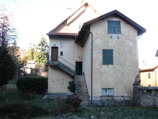 Appartamento in buone condizioni in vendita Rif. 4165394