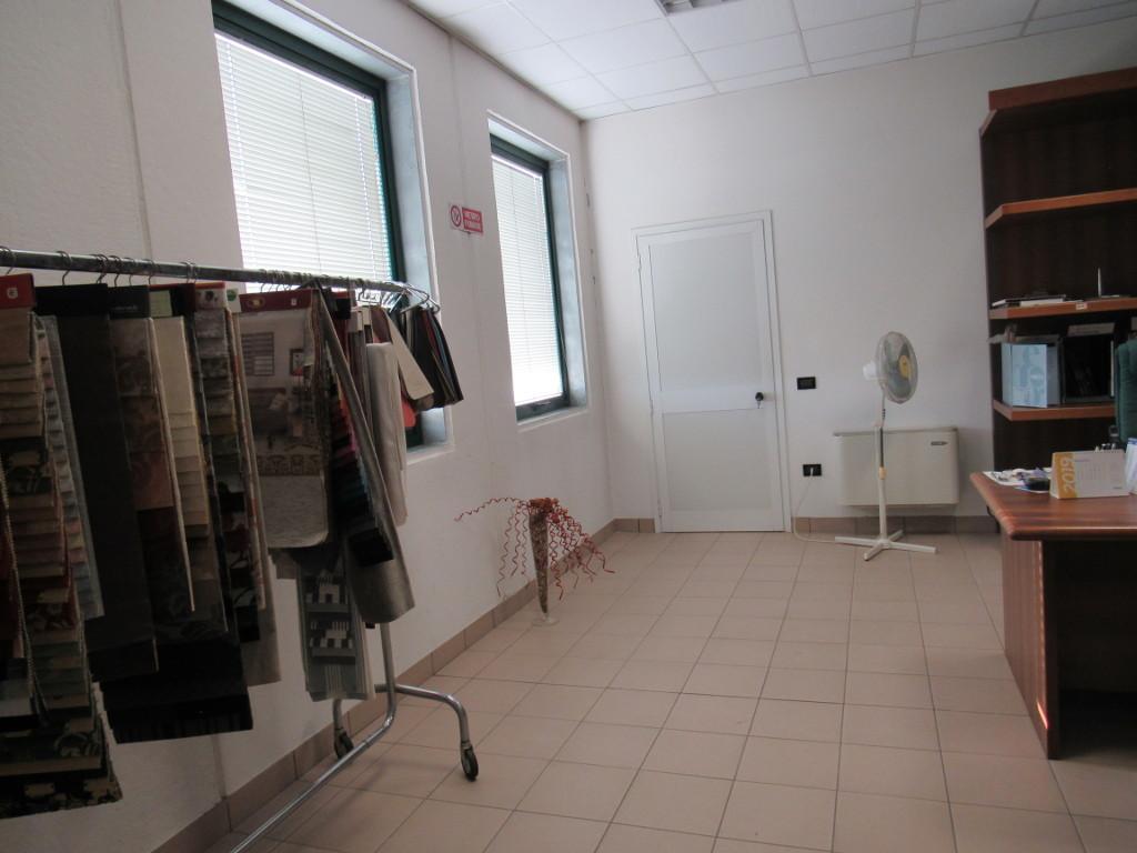 Capannone / Fondo - Industriale/Artigianale a Saccolongo Rif. 11389992