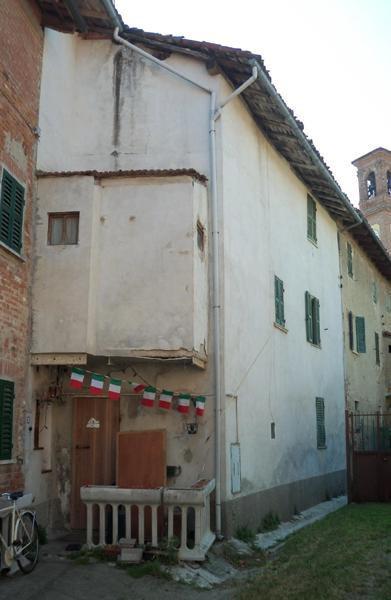 Casa Indipendente in discrete condizioni in vendita Rif. 9863546