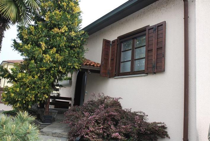 Villa in buone condizioni in vendita Rif. 10006475