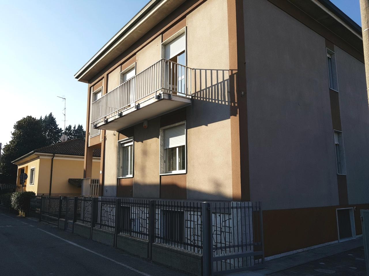 Villetta a schiera da ristrutturare in vendita Rif. 4167643