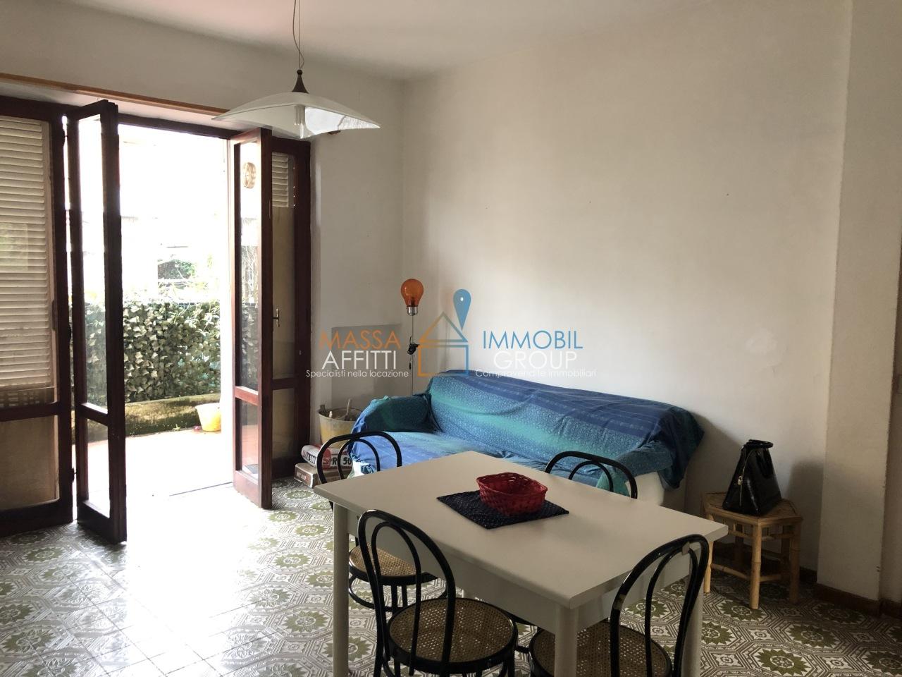 Quadrilocale in buone condizioni arredato in affitto Rif. 8983345