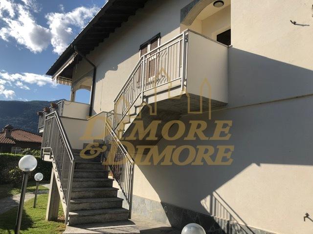 Villa in vendita a Maccagno con Pino e Veddasca, 7 locali, Trattative riservate | CambioCasa.it