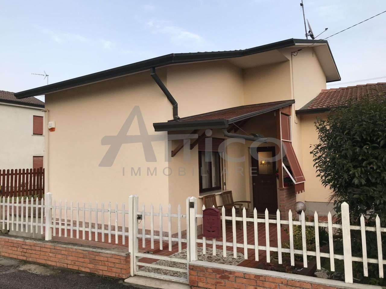 Casa Indipendente in ottime condizioni in vendita Rif. 8476824