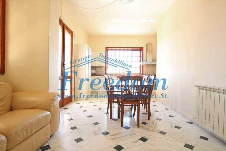 Appartamento in buone condizioni arredato in affitto Rif. 8908429