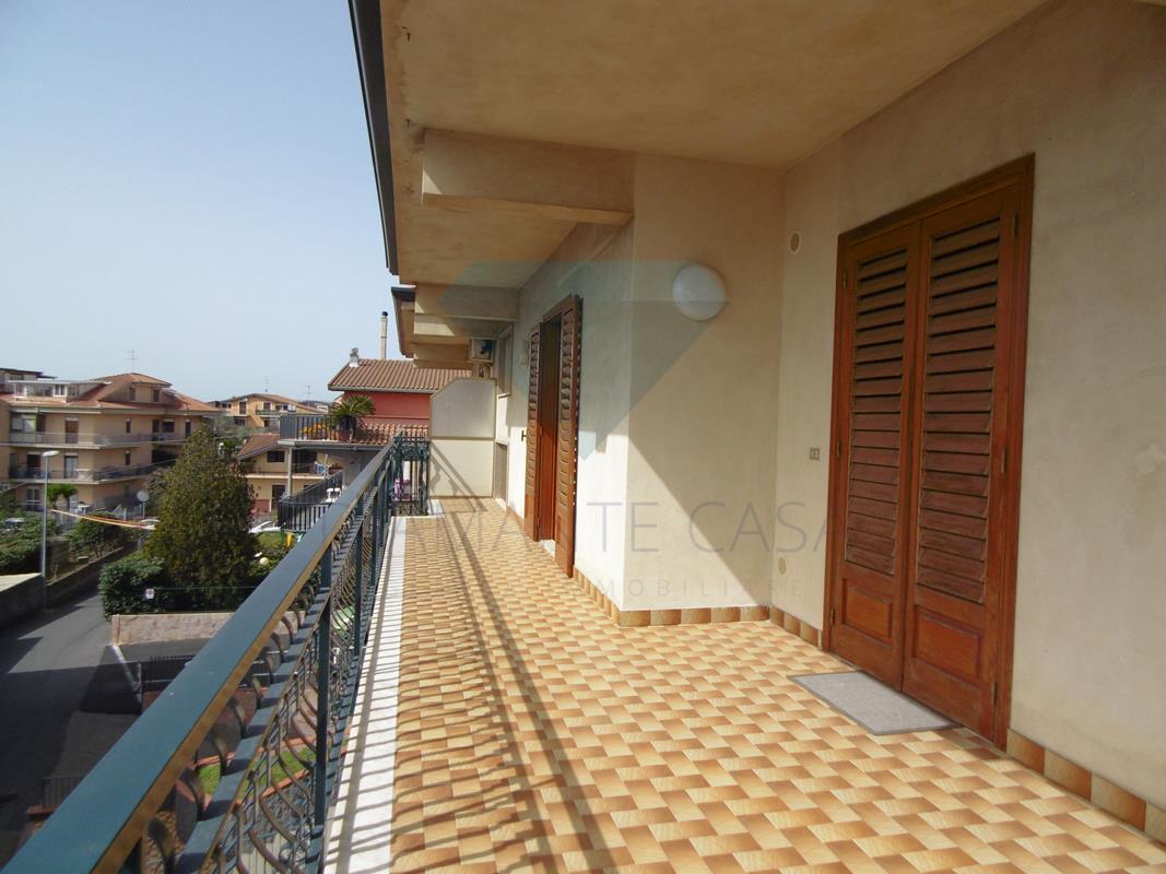 Appartamento in discrete condizioni in vendita Rif. 5818695