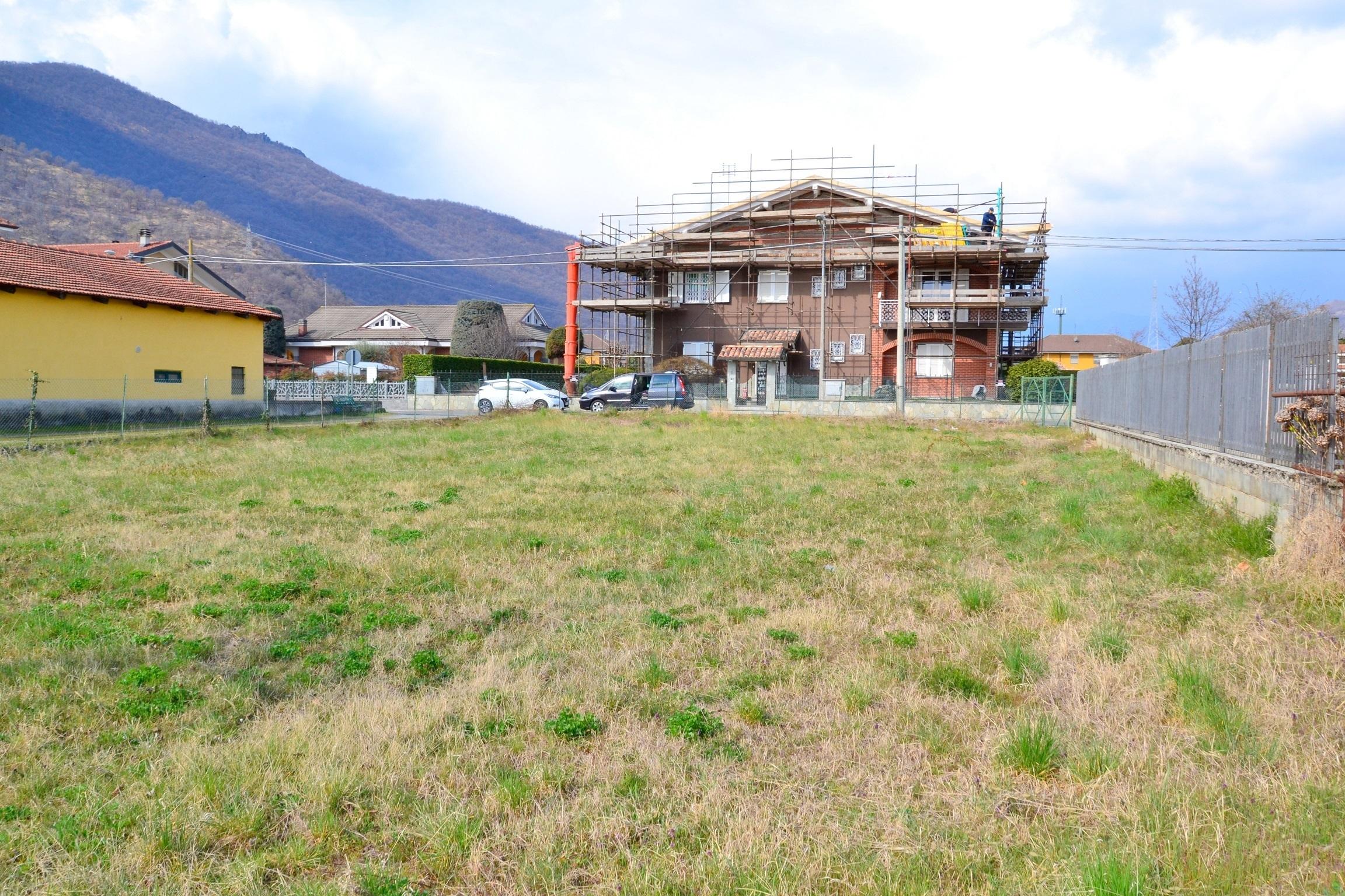 Sangano, via Verdi. Terreno edificabile di 850 mq