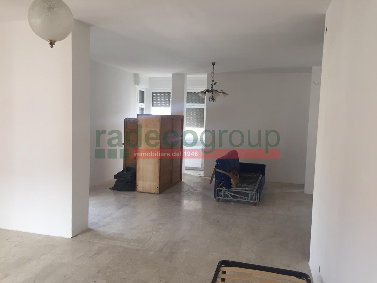 Attico / Mansarda in buone condizioni in vendita Rif. 9966333