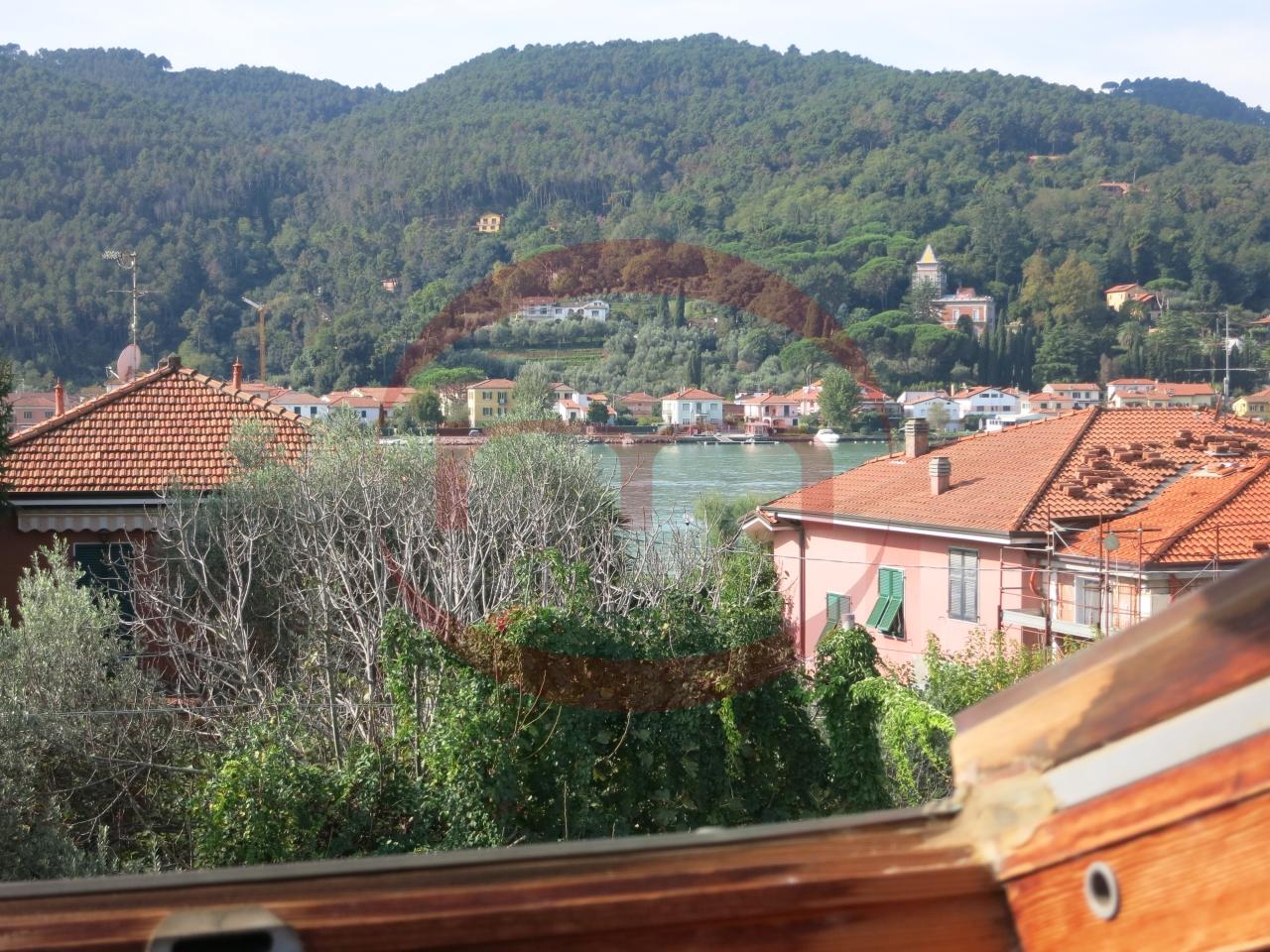 Appartamento in vendita a Ameglia, 5 locali, prezzo € 350.000 | PortaleAgenzieImmobiliari.it