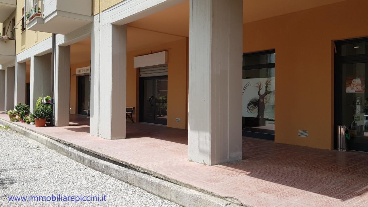 Locale commerciale - 1 Vetrina a Città di Castello Rif. 10484687
