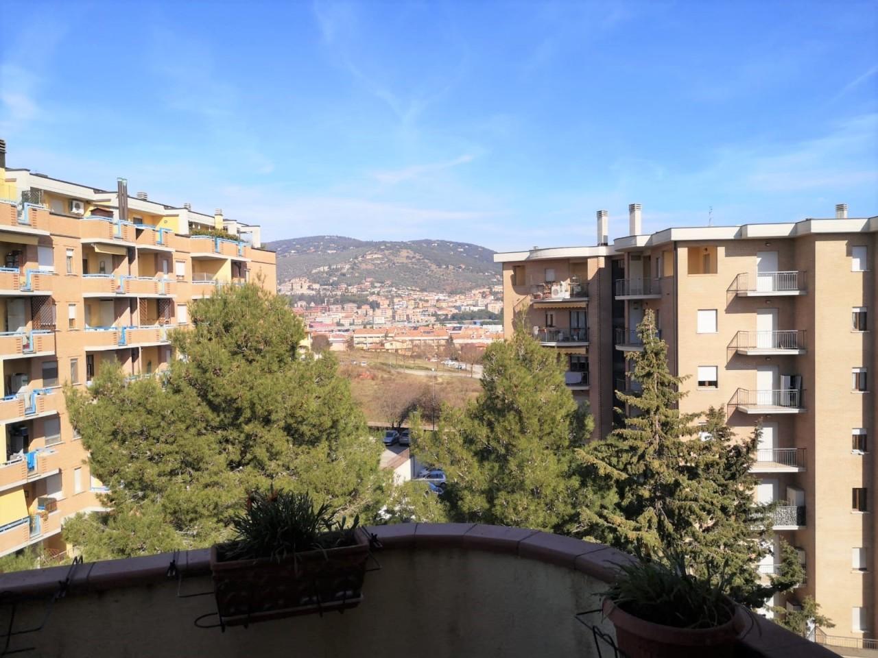 Appartamento in vendita a Corciano, 5 locali, prezzo € 115.000 | PortaleAgenzieImmobiliari.it