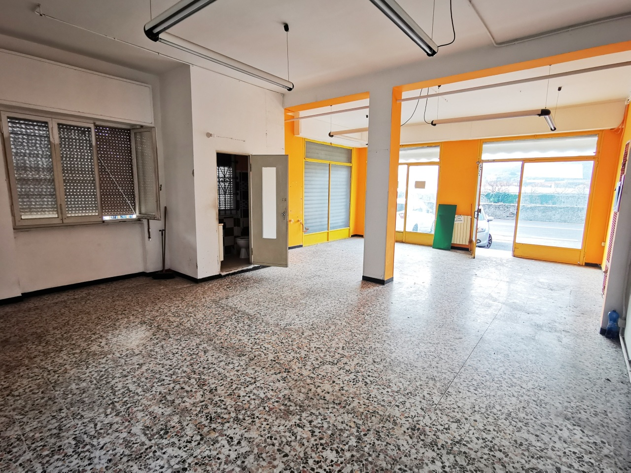 Negozio / Locale in affitto a Quiliano, 1 locali, prezzo € 650 | PortaleAgenzieImmobiliari.it