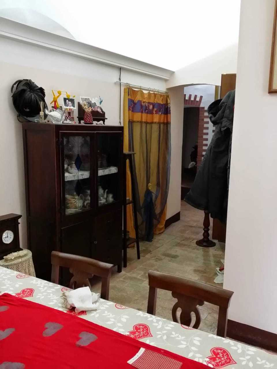 Appartamento in buone condizioni arredato in affitto Rif. 10297889