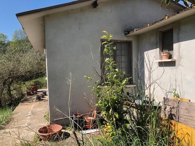 Rustico / Casale in buone condizioni arredato in vendita Rif. 10175082