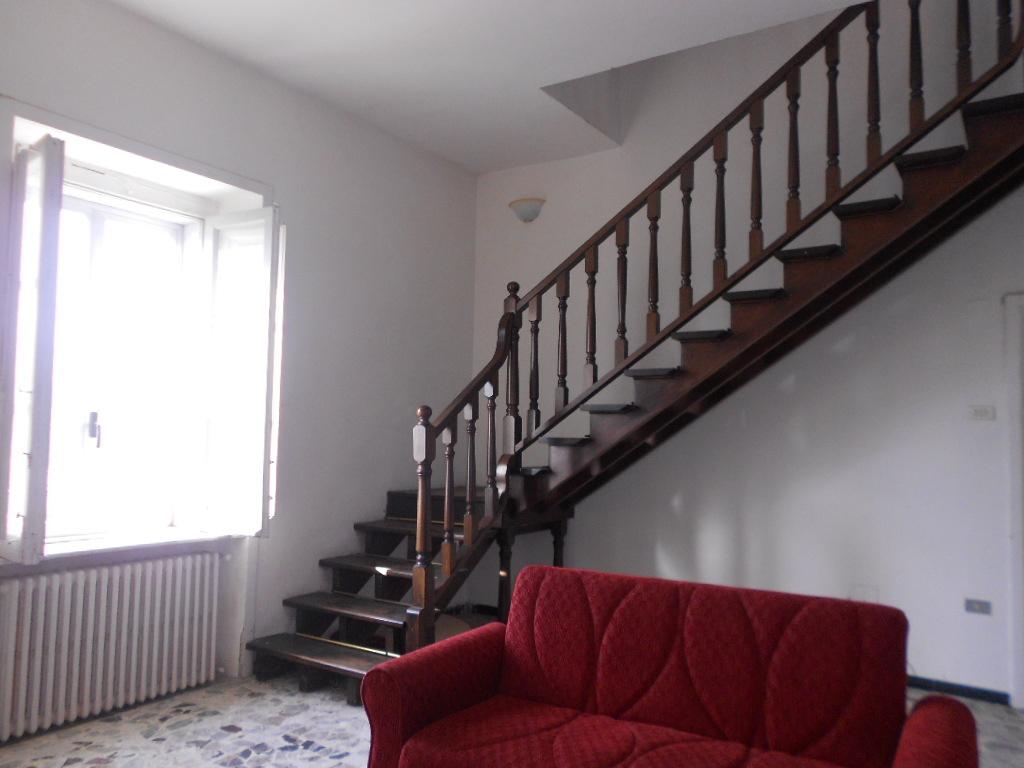 Stanza / posto letto in buone condizioni arredato in affitto Rif. 12165254