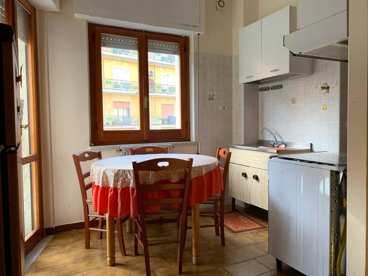 Bilocale in buone condizioni arredato in affitto Rif. 12186958
