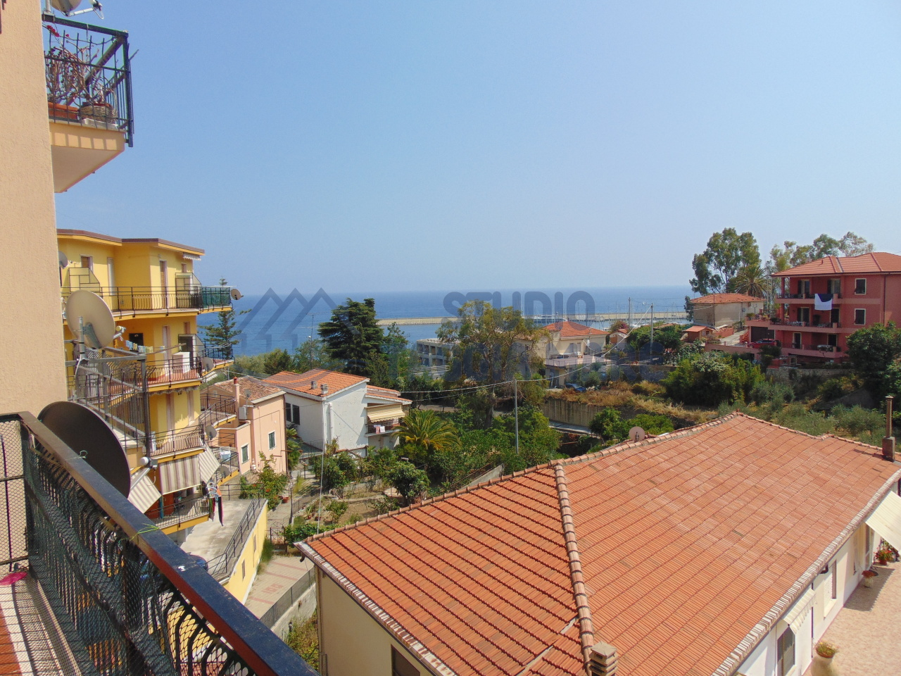 Appartamento in vendita a Santo Stefano al Mare, 3 locali, prezzo € 215.000   CambioCasa.it
