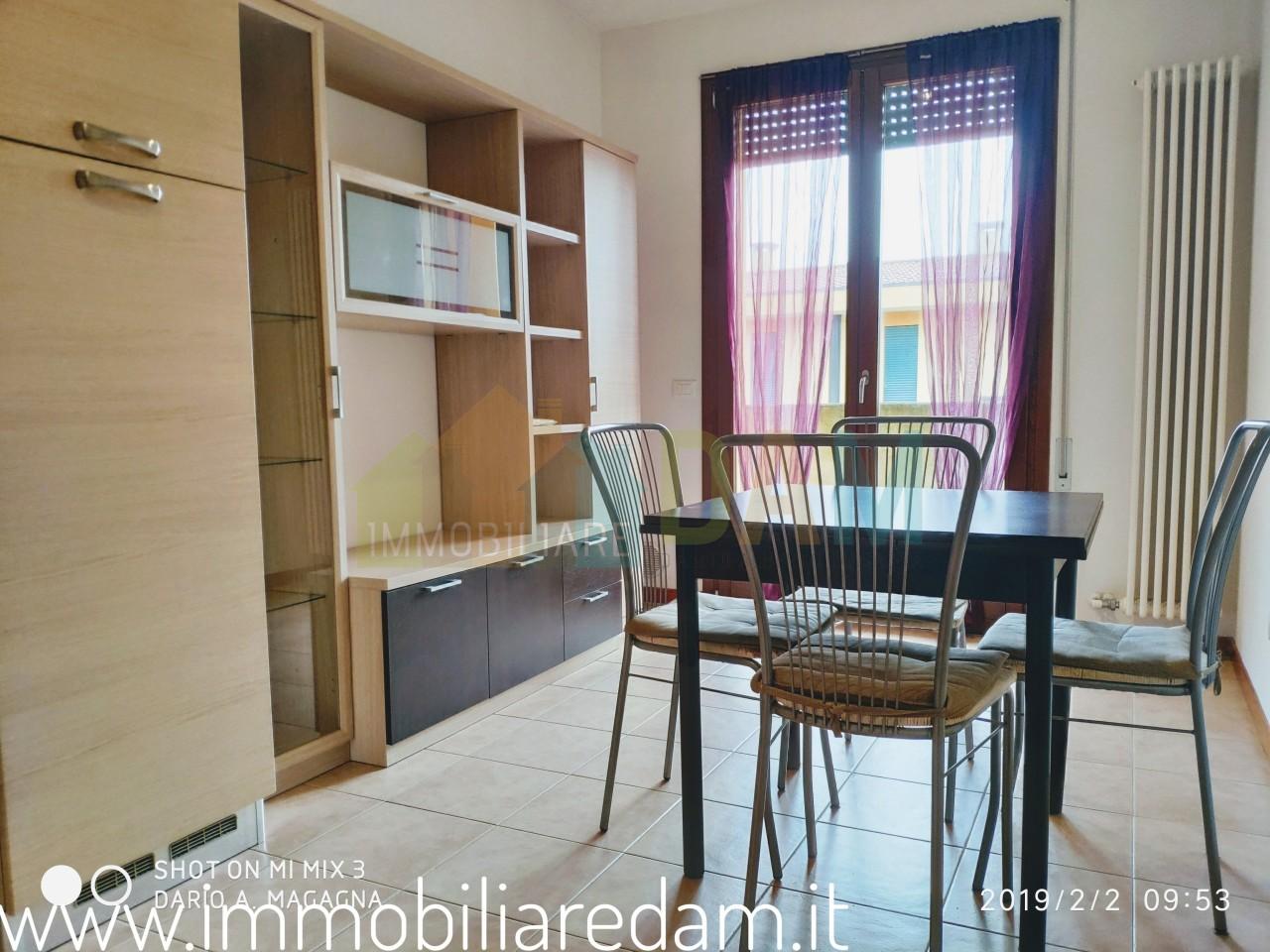 Appartamento in ottime condizioni arredato in vendita Rif. 9517077