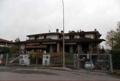 Villetta a schiera in buone condizioni in vendita Rif. 11149445