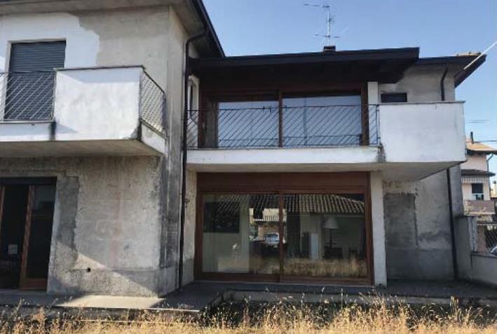Casa Indipendente da ristrutturare in vendita Rif. 10006473