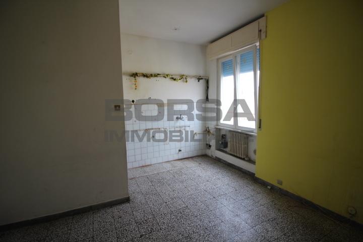 Quadrilocale in discrete condizioni in vendita Rif. 10297815