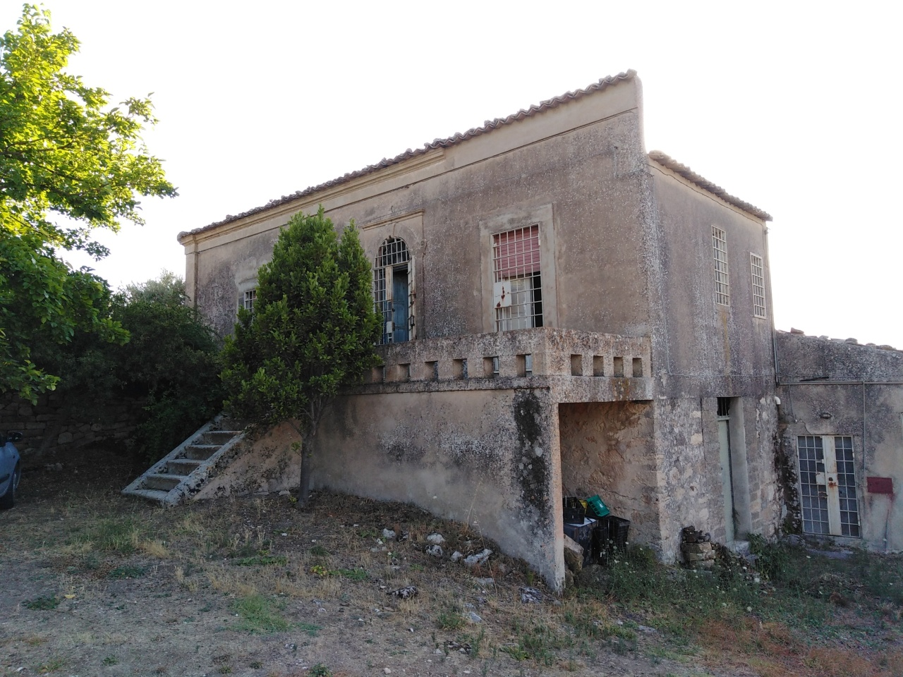 Villa in discrete condizioni in vendita Rif. 10802023