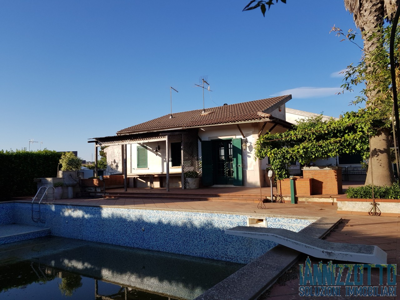 Villa in ottime condizioni in vendita Rif. 6874590