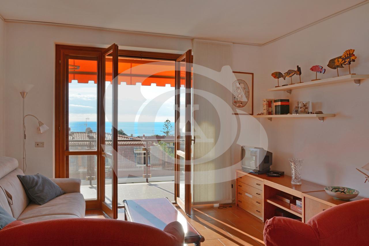 Appartamento in vendita a Ospedaletti, 1 locali, prezzo € 130.000 | PortaleAgenzieImmobiliari.it