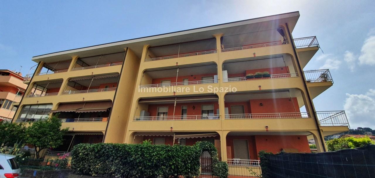 Attico / Mansarda in vendita a Andora, 5 locali, prezzo € 135.000 | PortaleAgenzieImmobiliari.it