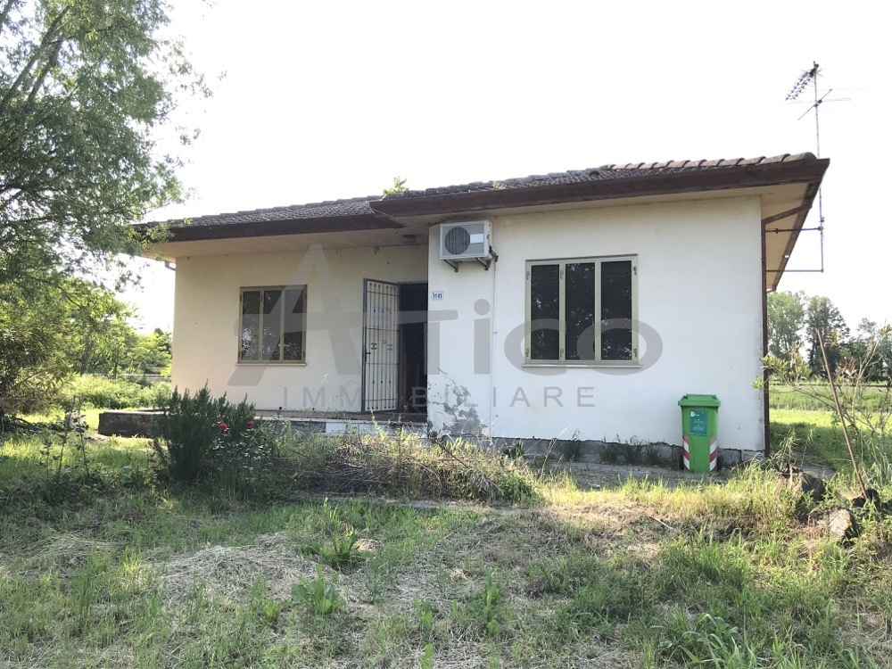 Casa Indipendente in discrete condizioni in vendita Rif. 10519389