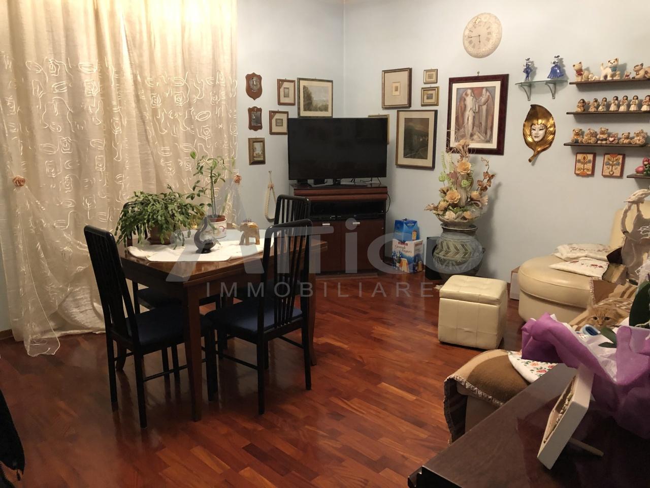 Appartamento - Piano Ultimo a Commenda Est, Rovigo